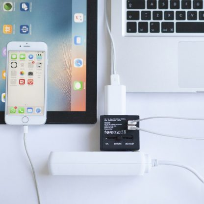 Action Wereldstekker met 2 USB-poorten - Zwart